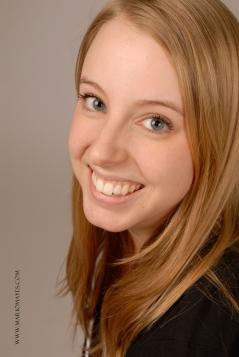 ariane-benevole-college-frontiere-quebec